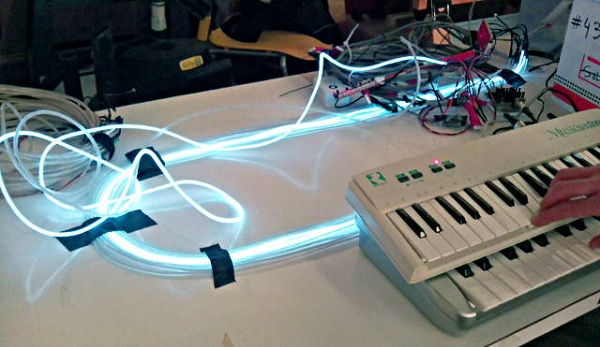 El wire controlled with sound using MIDI « Dangerous Prototypes