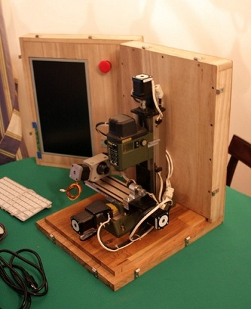 Portable-CNC-in-a-Box_7544-447x550