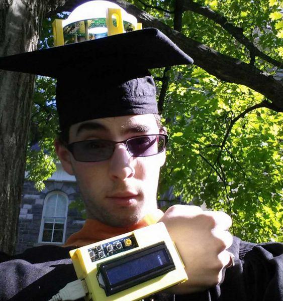 Jeremy-Blum-Remote-Controlled-Graduation-Cap_2