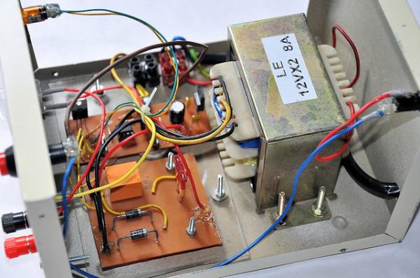 Как из трансформатора сделать зарядное устройство для  671