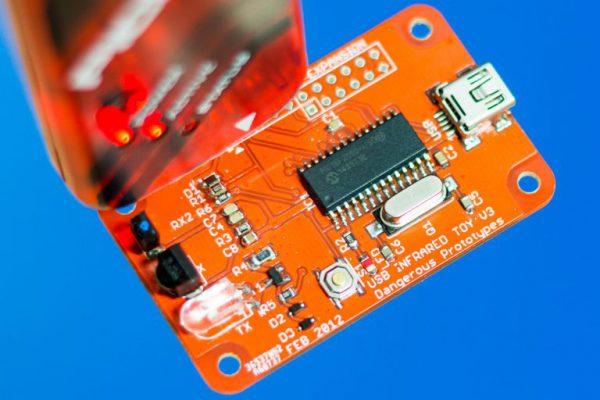 PicKit-Programming-USB-IR-Toy-768x512